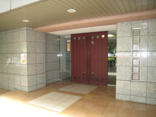 新百合ヶ丘ガーデンフォルム 入口