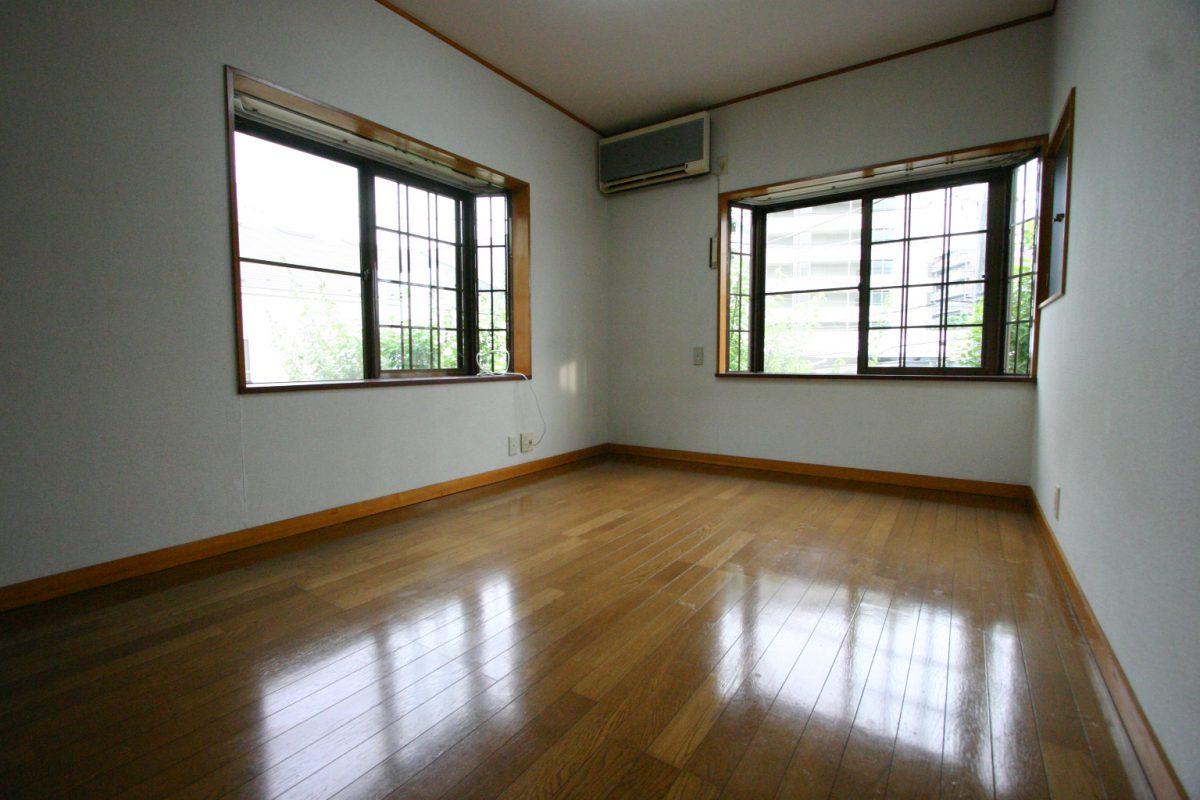 部屋201