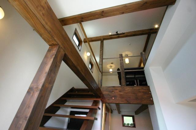 喫茶店ハーモニー 階段