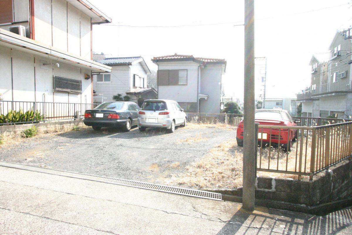 栗原駐車場 入口