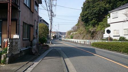 王禅寺西の幹線道路