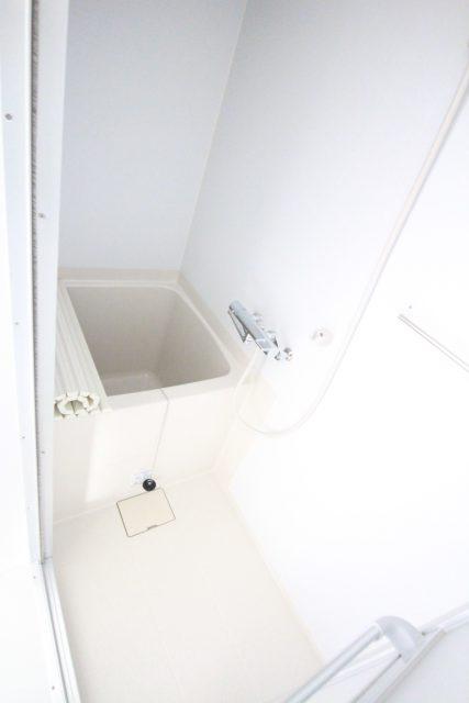 フローラ・テラス 203号室 浴室