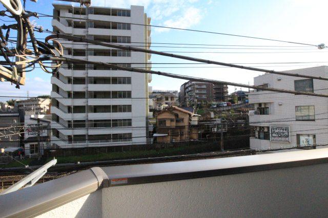 フローラ・テラス 301号室 バルコニーからの景色