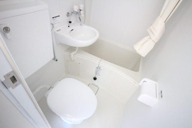 フローラ・テラス 301号室 浴室