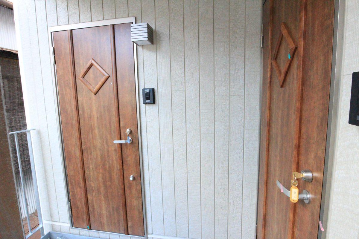 フローラ・テラス 玄関ドア
