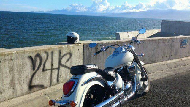 バイクで海に