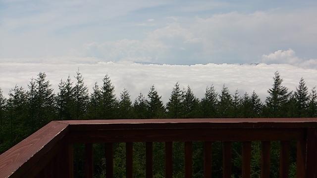 富士山四合目 雲の上から