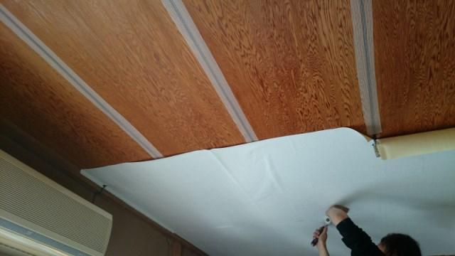 和室 天井に壁紙を貼る