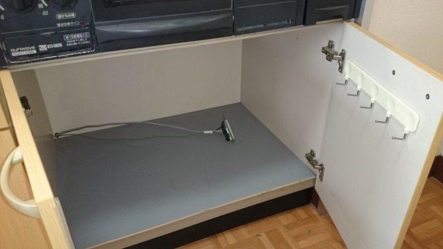キッチン収納内にコンベック用の配線