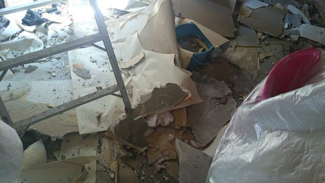 壁紙剥がし 天井落とし