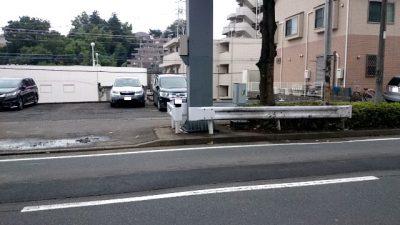 歩道のガードレール