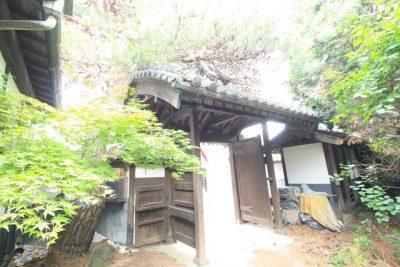 門の屋根の形