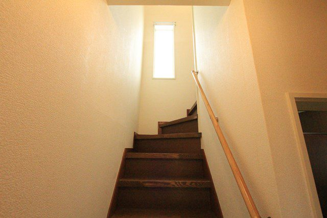 貸家 花水木ハウス 階段
