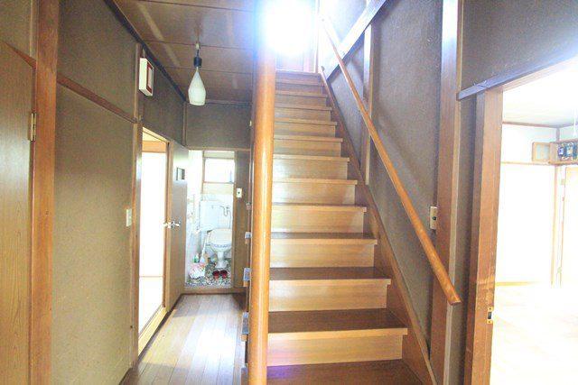南生田6丁目 中古戸建て 階段